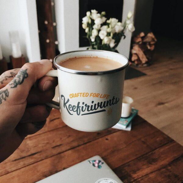 Enamel mug – Vintage white